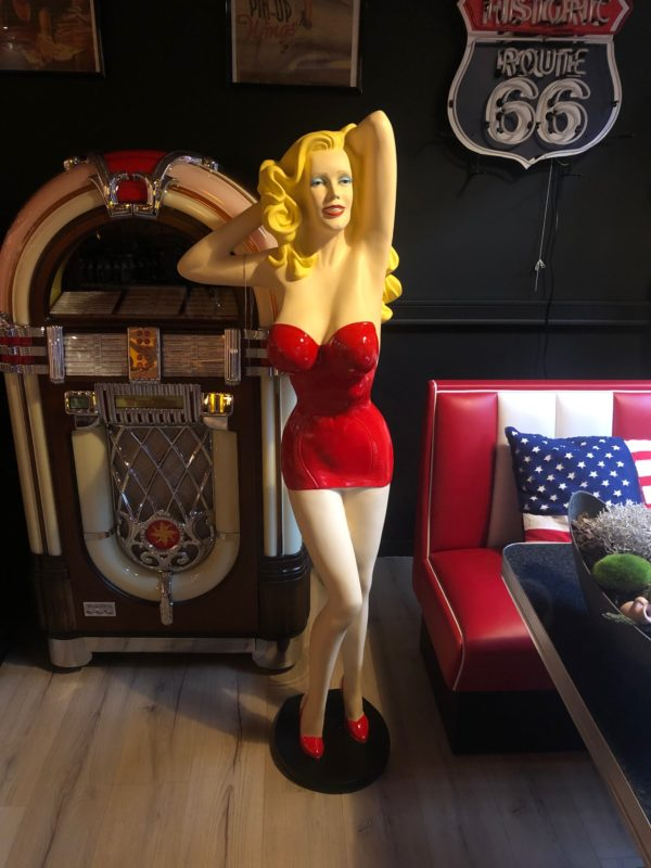 Pin Up Sexy Lady Rouge 160 cm