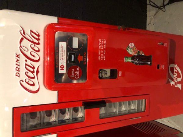 Coca Cola Cavalier Vending Machine