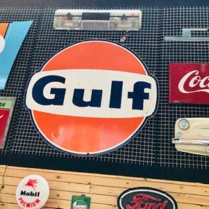 Ancienne plaque émaillée Gulf de station services 1967.