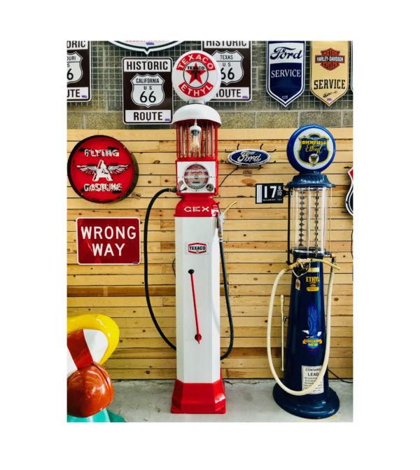 Gex Vintage Gas pump (l'Aster – Paris)