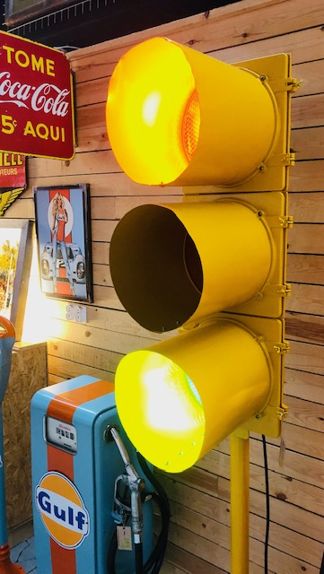 Vintage usa traffic light on