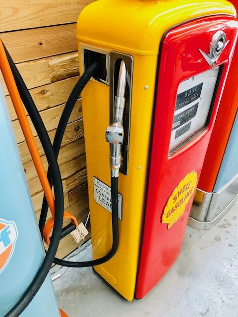 ancienne pompe essence américaine shell boutique vintage wallonie belgique