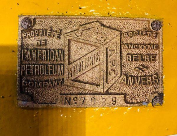 ancienne pompe essence décoration vintage