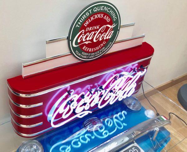 enseigne neon rétro coca-cola rouge