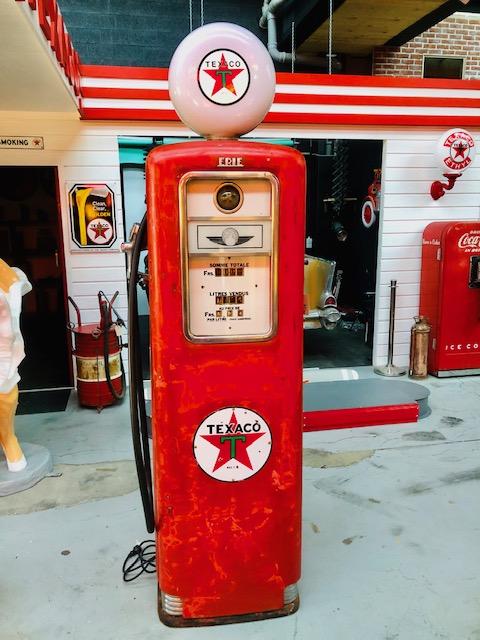 ancienne pompe essence