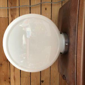 Globe: opaline glass