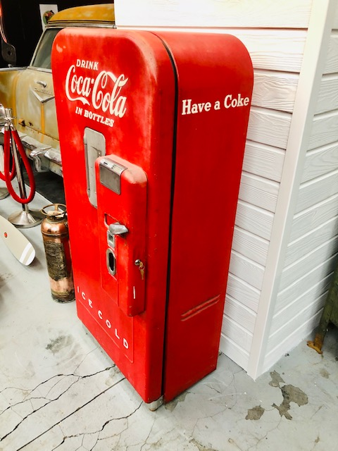 Distributeur Coca-Cola V39 usa