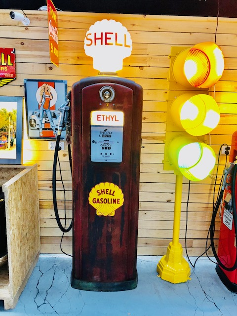 Vintage American Shell gas pump