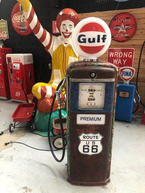 Ancienne pompe essence américaine gulf 2