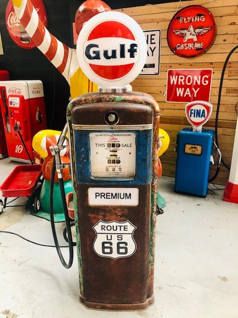 Ancienne pompe essence américaine gulf route 66