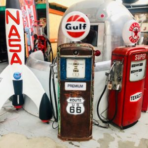 Ancienne pompe essence américaine Gulf