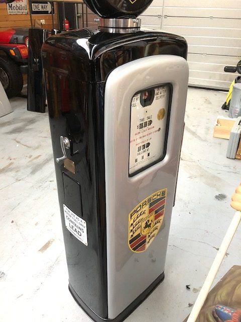 ancienne Pompe essence américaine Porsche
