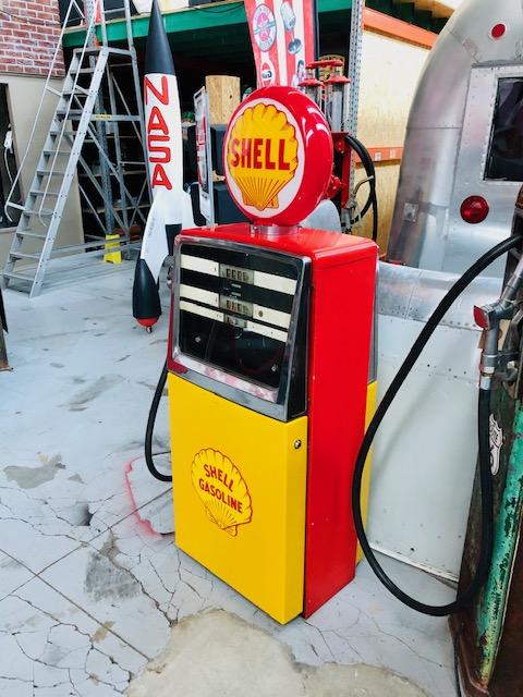 shell vintage gas pump