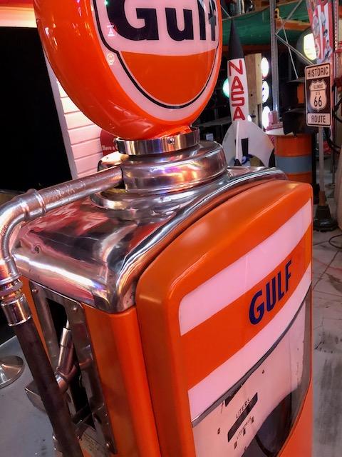 vintage gas pump from beckmeker 1957