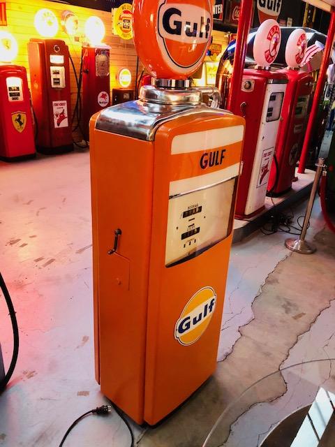 gulf vintage gas pump from beckmeker