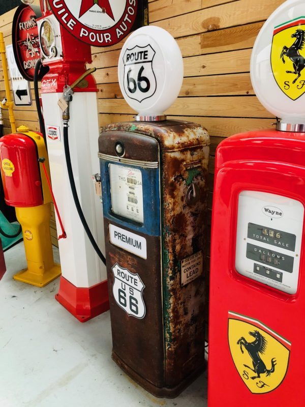 pompe essence Route 66 Gilbarco américaine