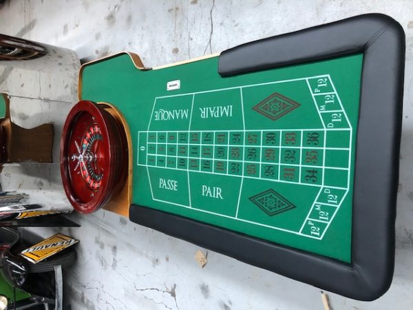 1980 casino table and roulette.