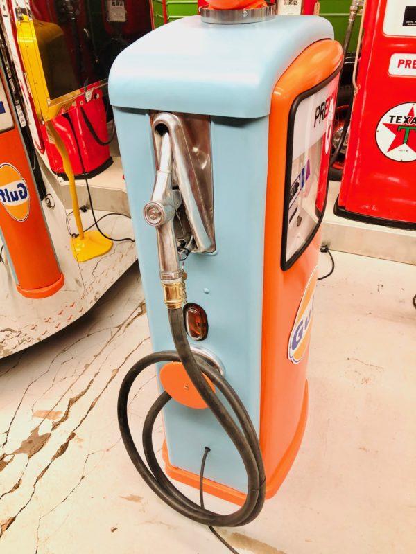 Pompe à essence Gulf 1967 restaurée