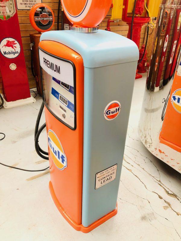 Ancienne pompe essence Gulf 1967