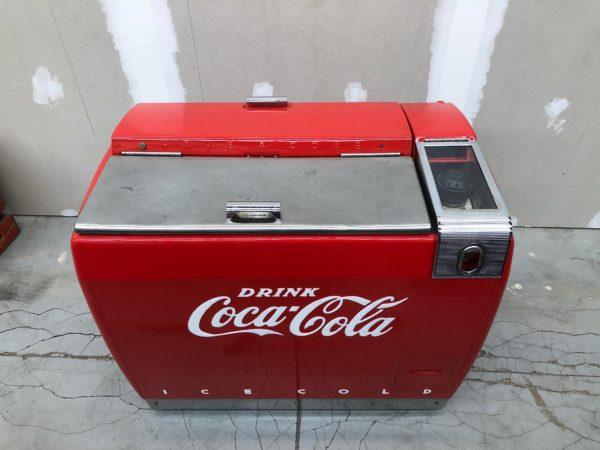 Frigo glaciere Coca Cola des années 1950