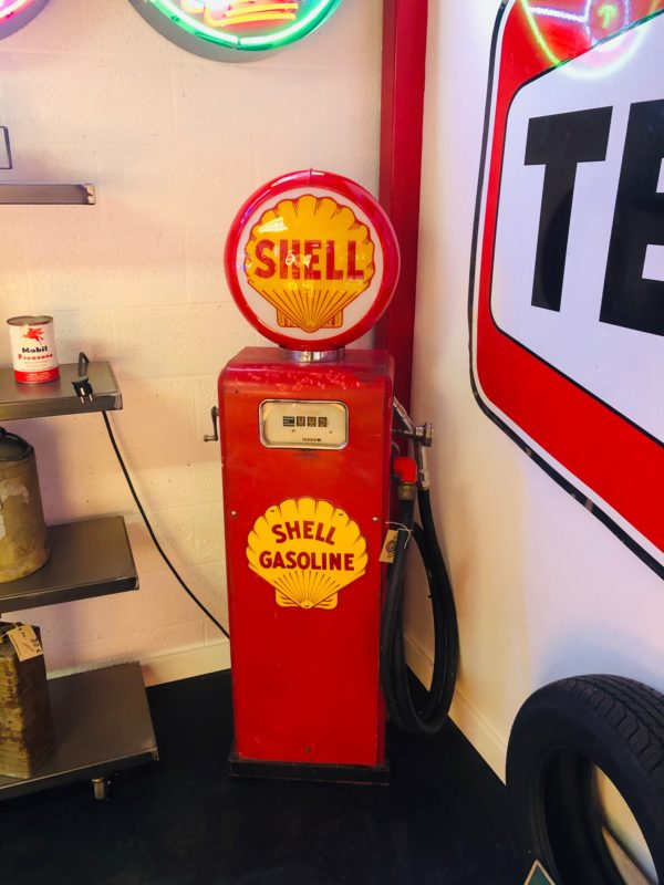 pompe à essence Shell GASBOY dans son jus