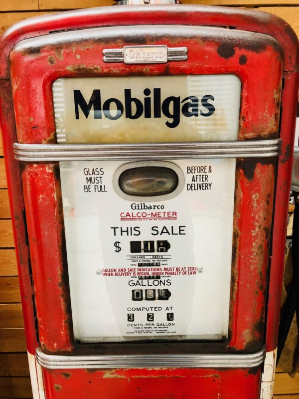 Pompe à essence Américaine Gilbarco de 1955