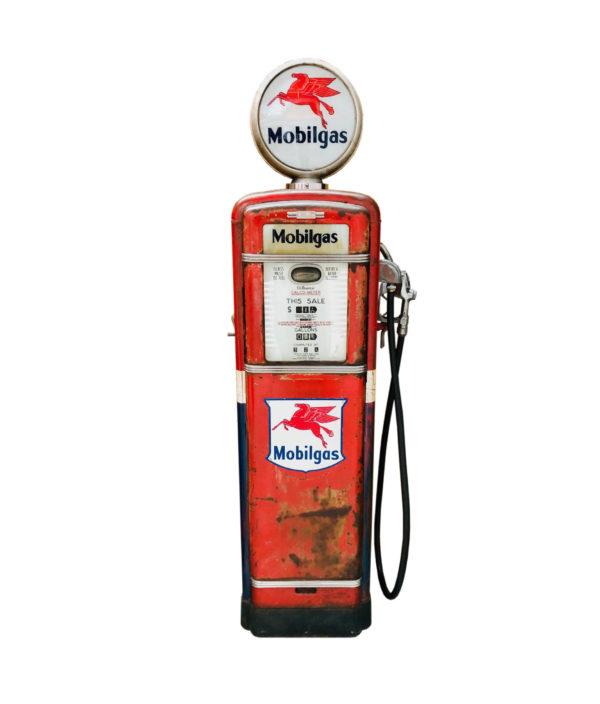 Pompe à essence Américaine Gilbarco Mobilgas de 1955