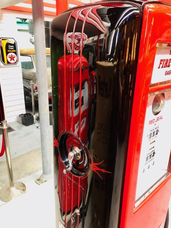 Pompe à essence américaine Texaco de 1939 restaurée