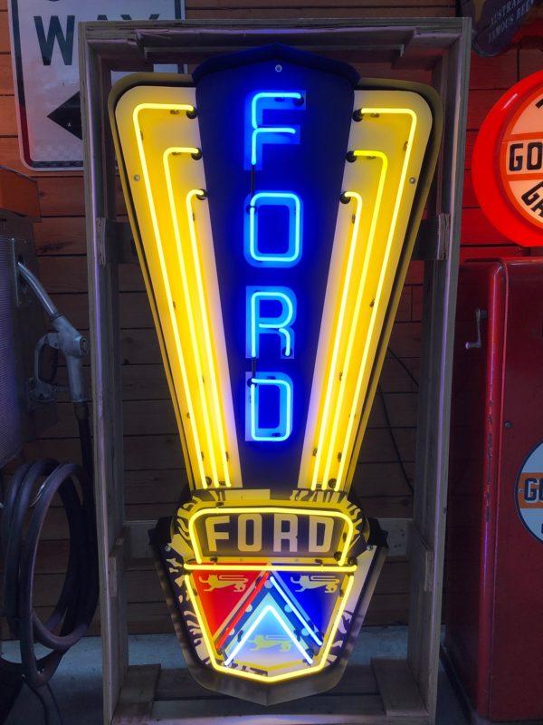 Enseigne Néon Ford avec l'emblème 1950