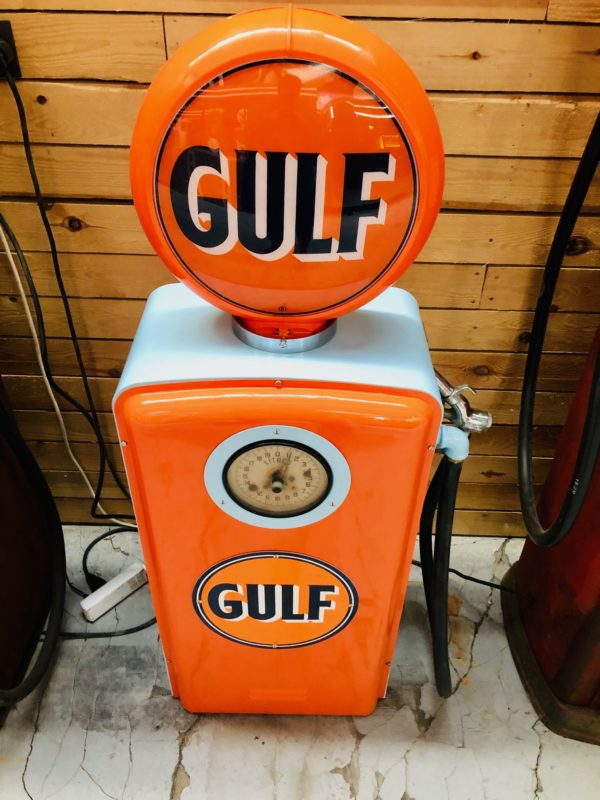 Pompe à essence Gulf restaurée