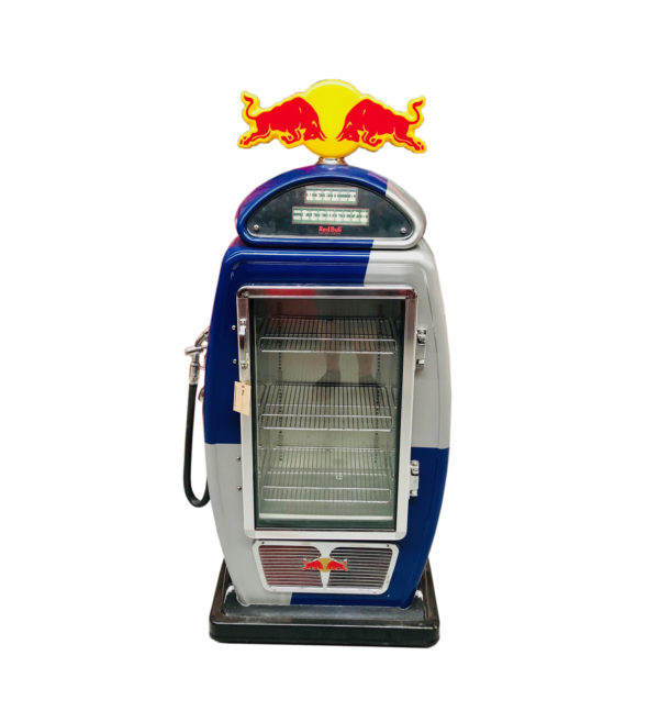 Frigo pompe à essence Red Bull.