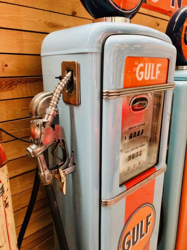 Pompe à essence Américaine Gulf Gilbarco restaurée