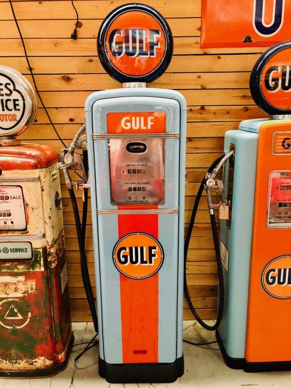 Pompe à essence Américaine Gulf restaurée de 1955