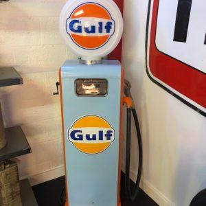 Pompe à essence Gulf Gasboy restaurée
