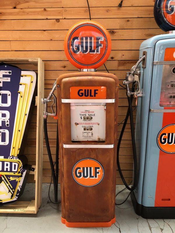 Pompe à essence américaine Gulf Gilbarco dans son jus 1955 x