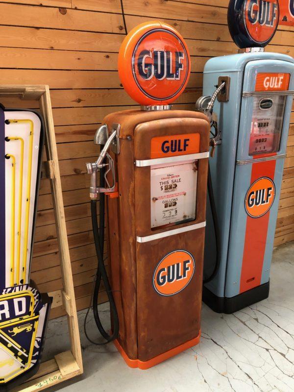 Pompe à essence américaine Gulf 1955