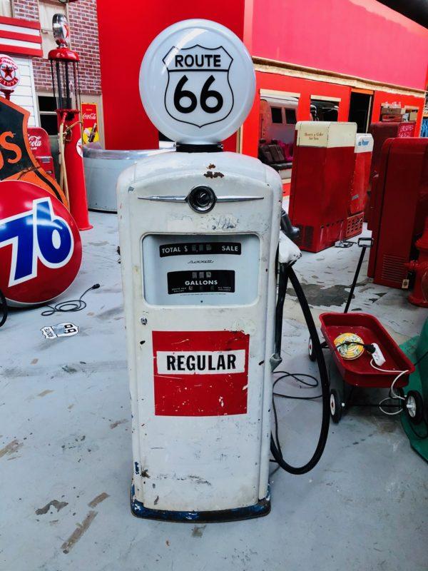 pompe à essence américaine route 66 Bennett