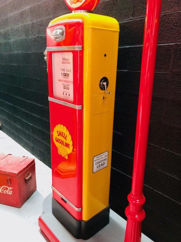 Pompe à essence américaine Shell Gilbarco restaurée
