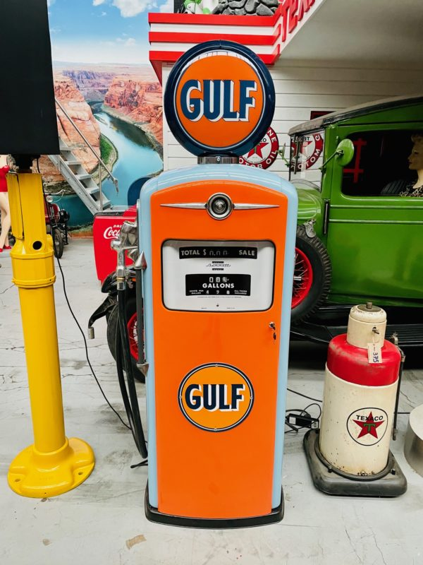 Pompe à essenceGulf restaurée de 1954