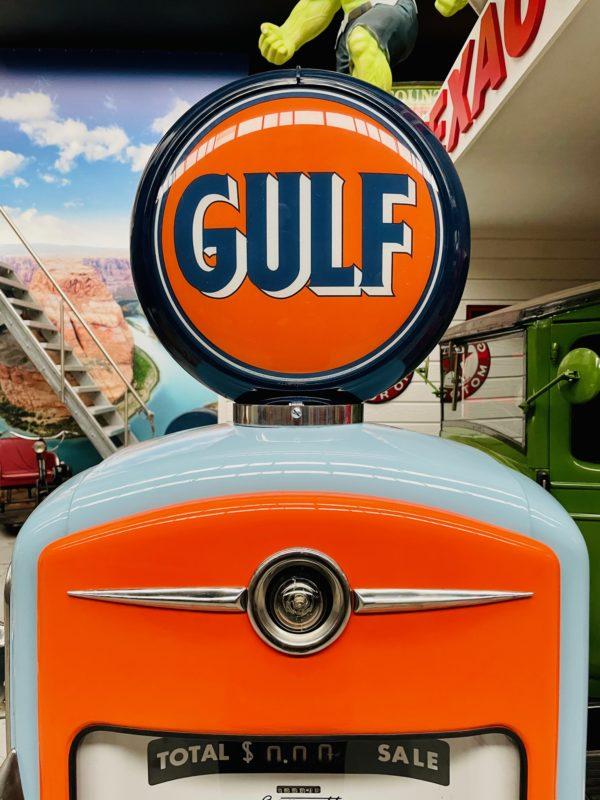 Pompe à essenceGulf restaurée 3