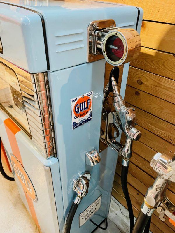 Pompe à essence Gulf restaurée 1