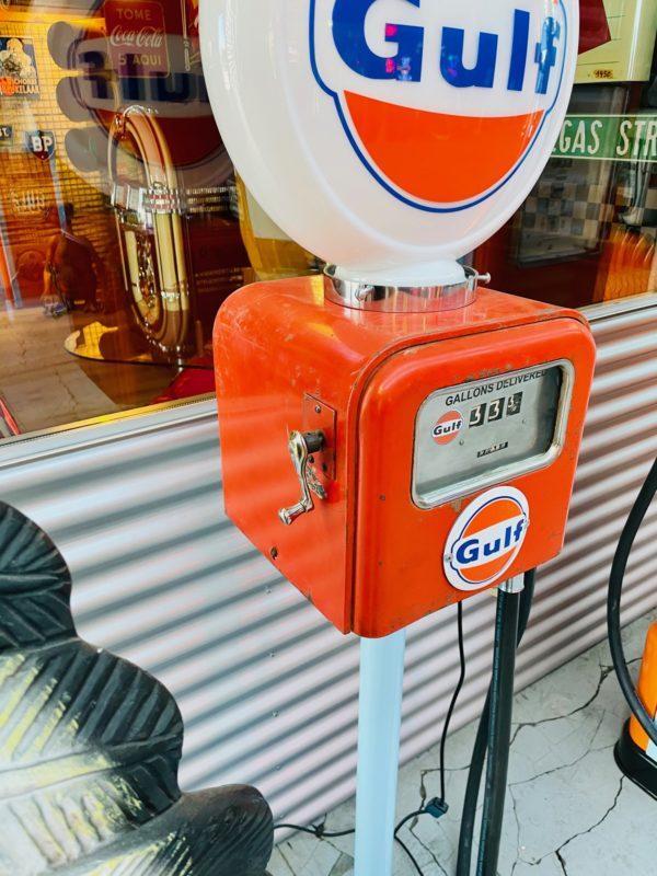 Pompe à essence Gulf Gasboy globe en verre