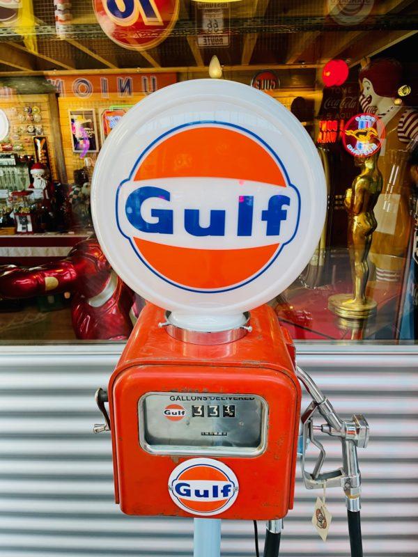 Pompe à essence Gulf Gasboy opaline en verre