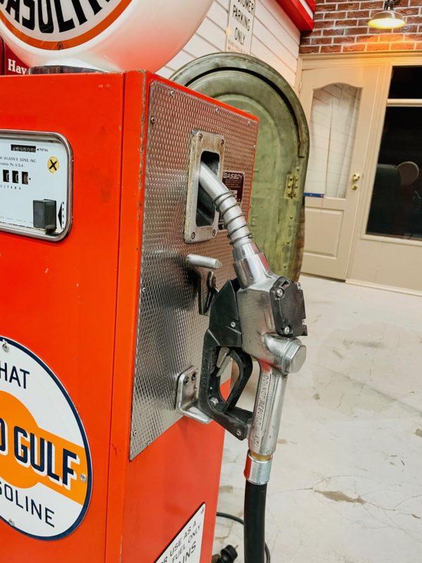 Pompe à essence Gulf peinture d'origine 2