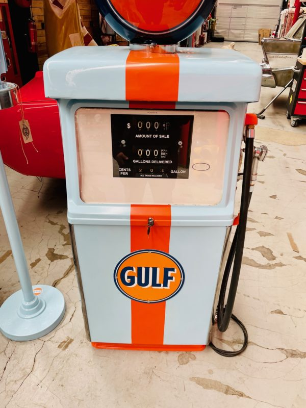 Pompe à essence américaine Gulf de 1960 restaurée