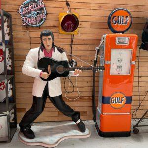 Statue Elvis Presley grandeur nature avec sa guitare