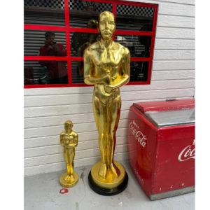 Statue Oscar 180 cm en polyester