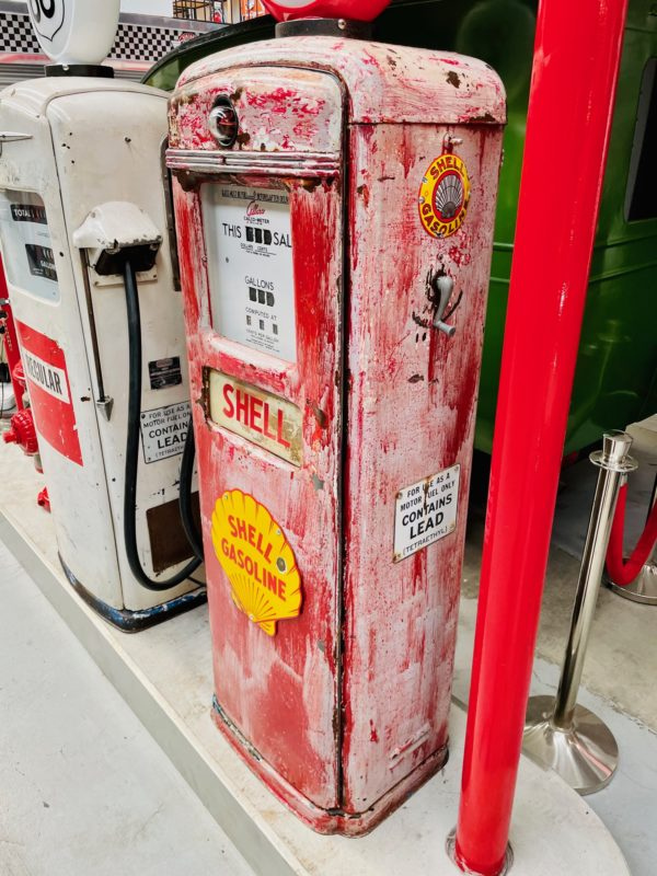 Pompe à essence américaine Shell Gilbarco 1