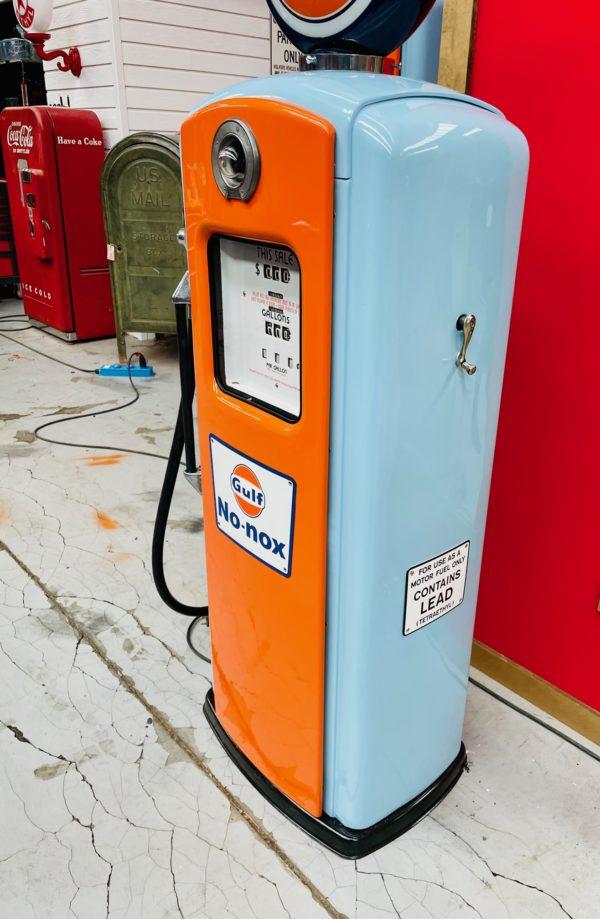 Pompe à essence américaine Gulf Bennett restaurée