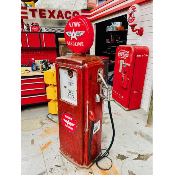 Pompe à essence américaine Flying gasoline Tokheim T39
